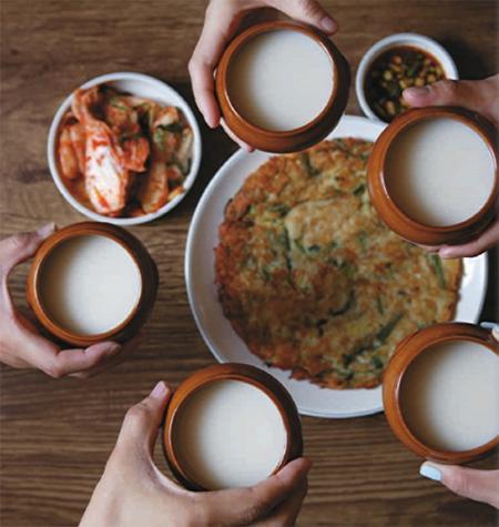 Đâu là loại rượu gạo Hàn Quốc tốt, được ưa chuộng nhất hiện nay?